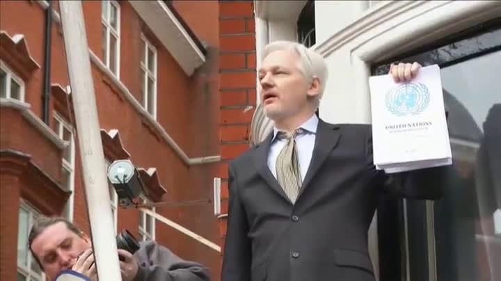 Reino Unido rechaza la extradición de Assange a EEUU y México le ofrece  asilo